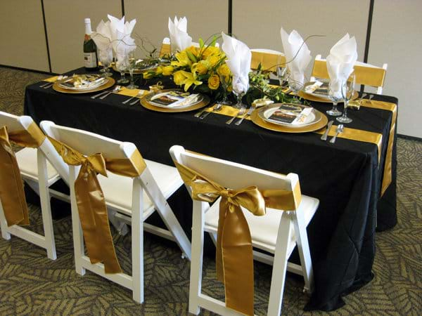 What Size Tablecloth Fits A 6ft Banquet, What Size Tablecloth For A 8 Foot Banquet Table