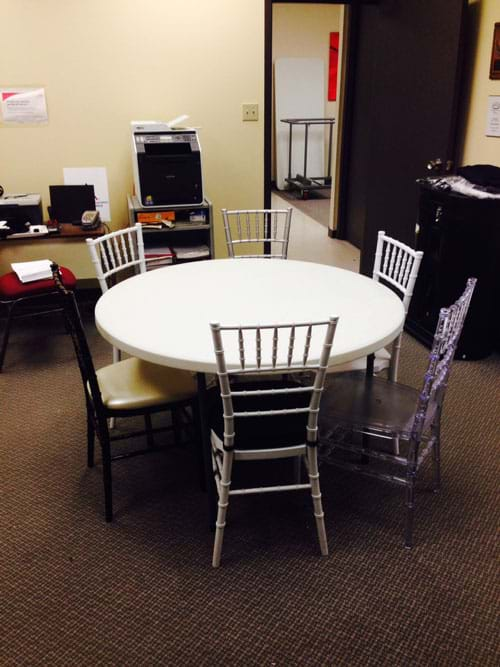 How Many Chiavari Chairs Fit At A 48, 48 Inch Round Table