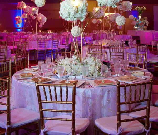 Wood Chiavari Chairs Pros and Cons