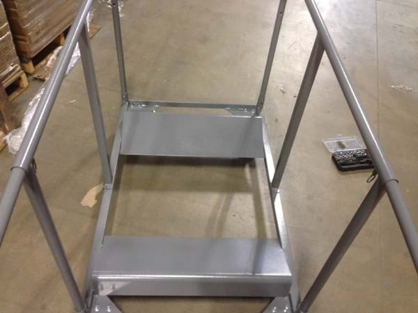 Round Table Cart Attaching Handle