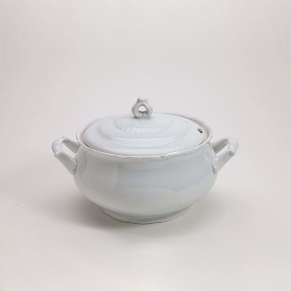 Picture of Snow Drop 101.5oz Soup Tureen